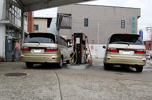 ガソリンスタンドにて