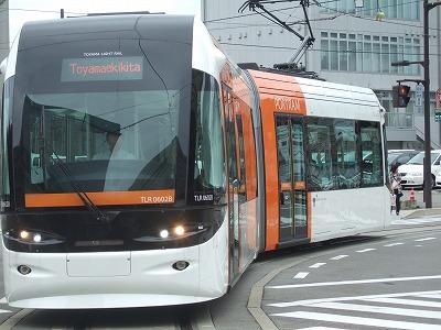 富山市:路面電車の活用が進む町02
