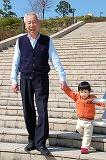 春の日の散歩〜親から子へ〜02