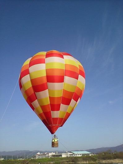昨年は気球に乗った、今年はカメラが乗っていた。01