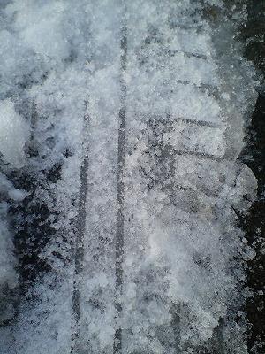 CSIは写真。鯖江は、昔は石膏・今は氷。