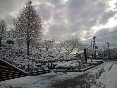 まだ降りますか?と今年のなごり雪。01