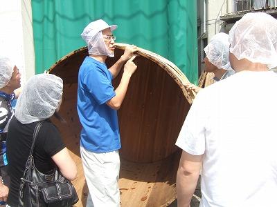『味噌は寝て待て』マルカワみそさんは木桶で仕込みに一年かける。01