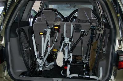 自転車を車に積む方法:ポイントは倒れなくすることでした。02