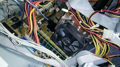 ドライバーが提供されていないWindows7は使えるのか?P5VDC−MXの場合。01